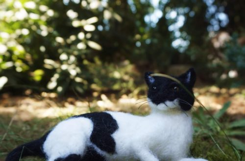filcowany kot figurka portret
