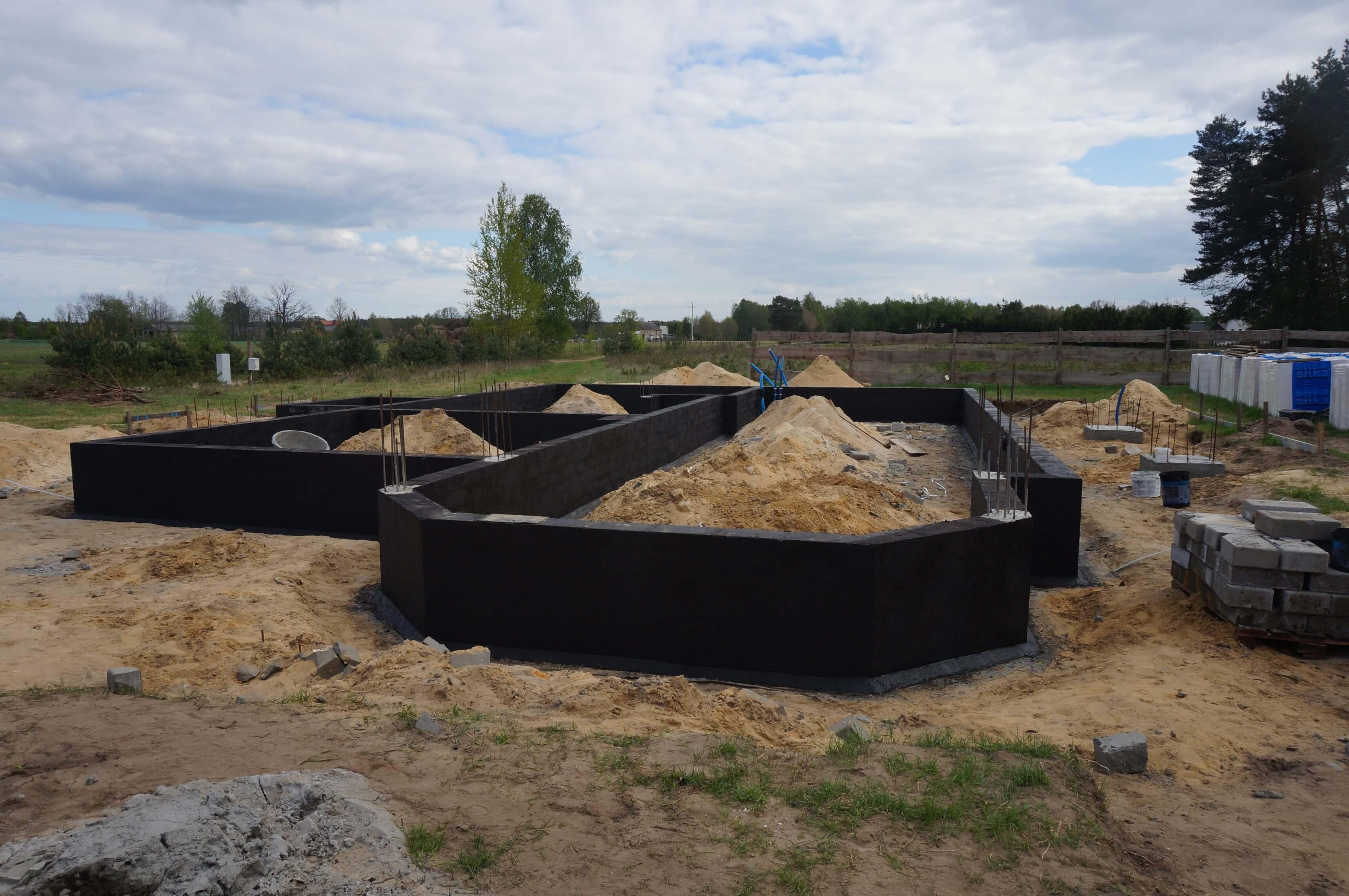 budowa dworku fundamenty kmb
